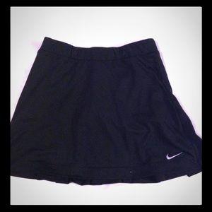 Women's size Small NIKE Golf dri-fit skort